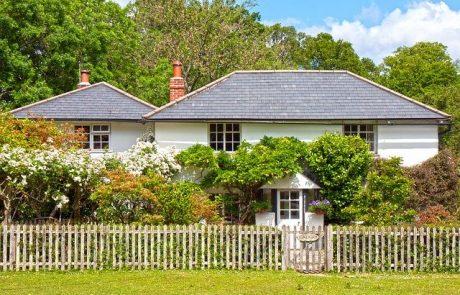 שפר את נראות ביתך על שפת המדרכה בגדר שהותקנה באופן מקצועי